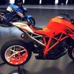 070213-ktm-1290-superduke-r-patriot-01