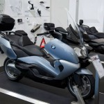 070513-2014-bmw-c650gt-quartz-blue-metallic