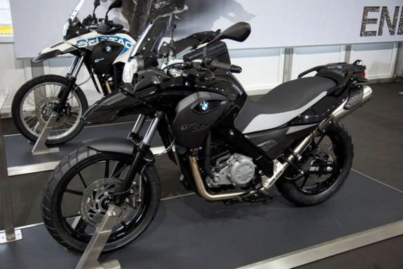 070513-2014-bmw-g650gs-deep-black