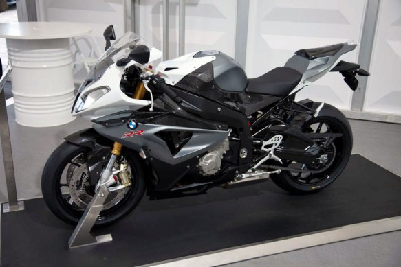 070513-2014-bmw-s1000rr-granit-grey-metallic-matt-alpine-white-3