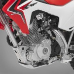 070913-2014-honda-crf125f-engine-10
