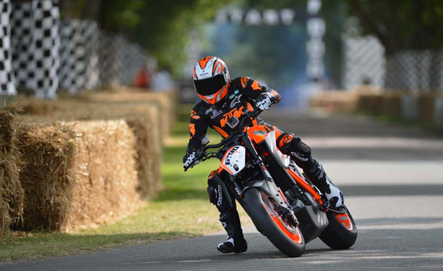 072213-ktm-1290-super-duke-r-goodwood-f