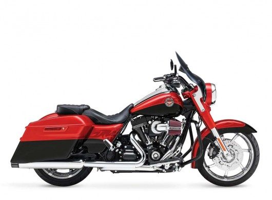 081913-2014-harley-davidson-cvo-road-king-05