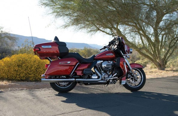 081913-2014-harley-davidson-ultra-classic-electra-glide-002