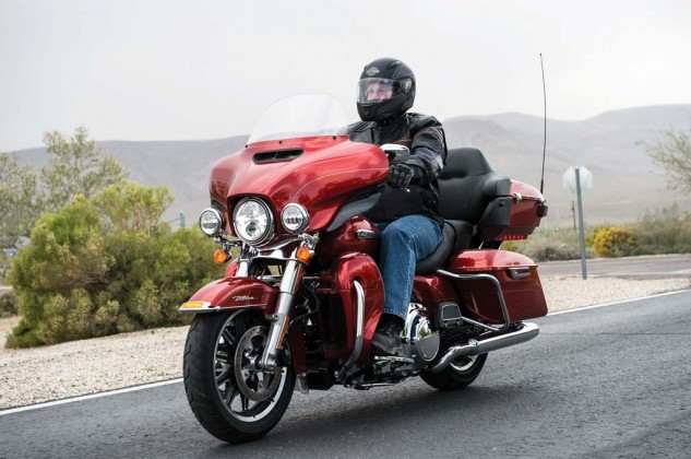 081913-2014-harley-davidson-ultra-classic-electra-glide-003
