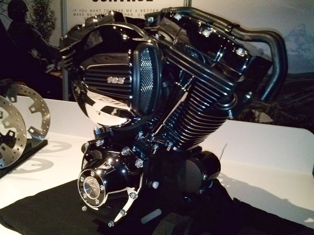 082013-harley-davidson-twin-cooled-twin-cam-103-engine