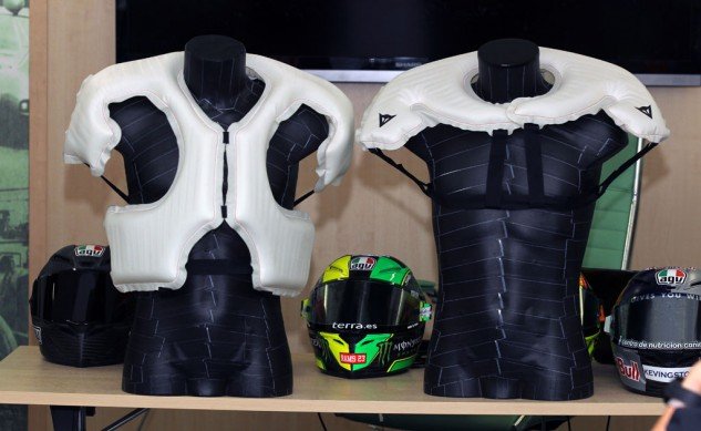 090413-dainese-d-air-thorax-racing