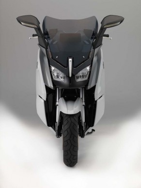 091013-2014-bmw-c-evolution-09