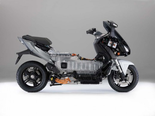 091013-2014-bmw-c-evolution-15