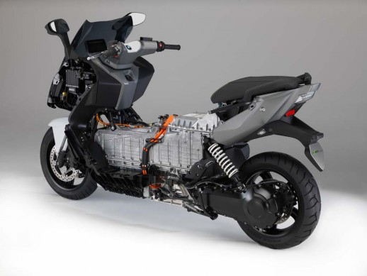 091013-2014-bmw-c-evolution-18