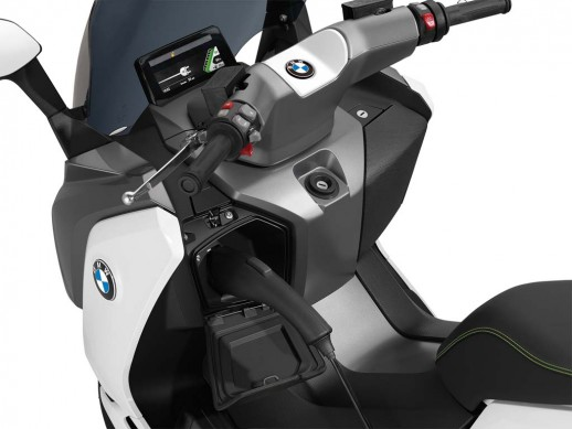 091013-2014-bmw-c-evolution-21