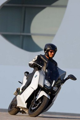 091013-2014-bmw-c-evolution-25
