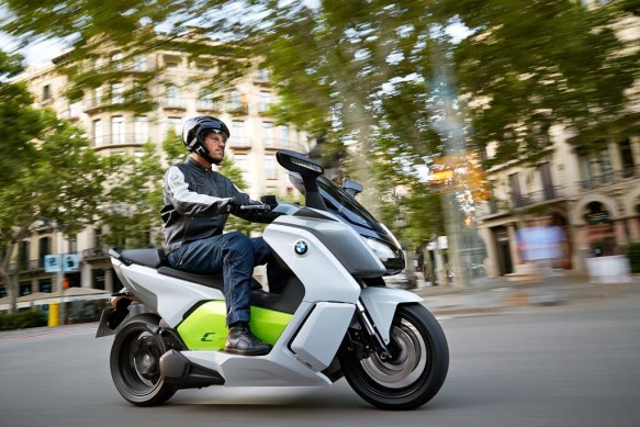 091013-2014-bmw-c-evolution-30