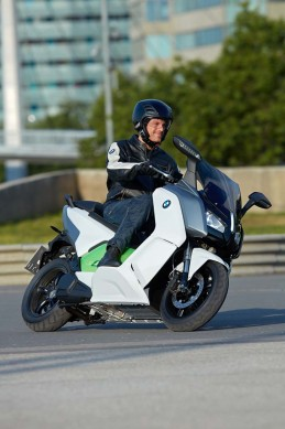 091013-2014-bmw-c-evolution-42