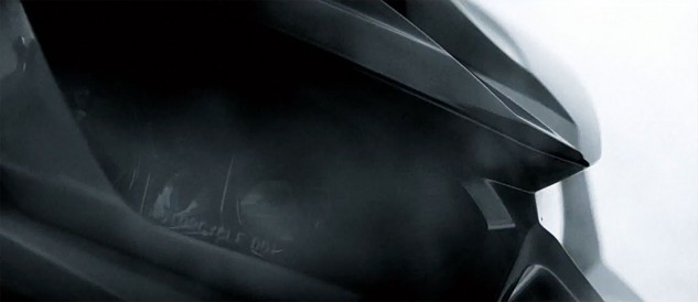 092013-2014-kawasaki-z1000-headlight-off-teaser
