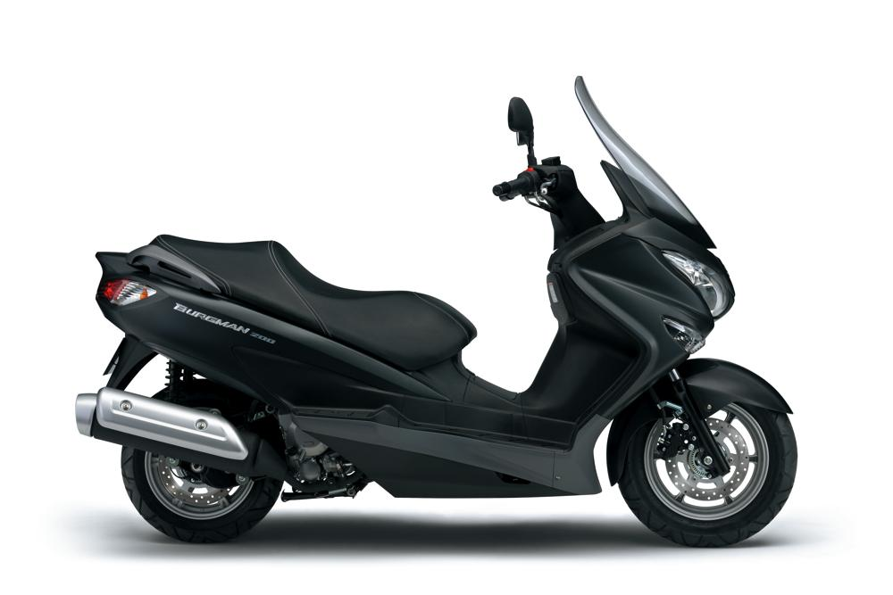 2014 suzuki burgman 125 200 revealed 200 version coming to us news. Black Bedroom Furniture Sets. Home Design Ideas