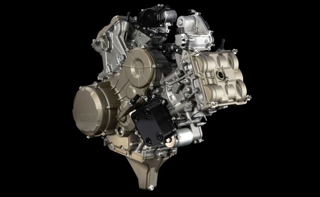 093013-ducati-1199-panigale-superquadro-engine
