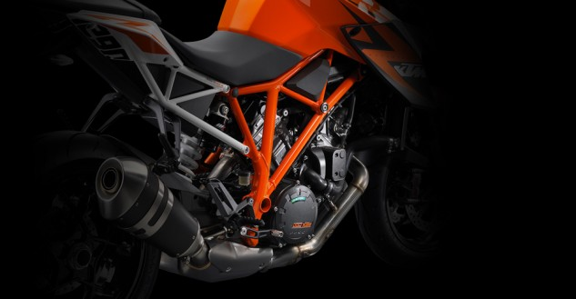 100113-2014-ktm-1290-super-duke-r-discover_chassis
