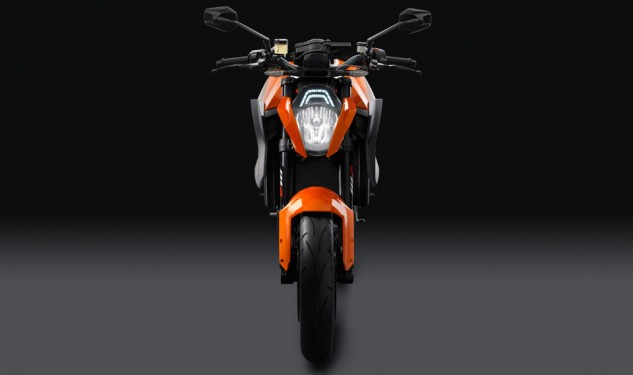 100113-2014-ktm-1290-super-duke-r-special_1_studio_2