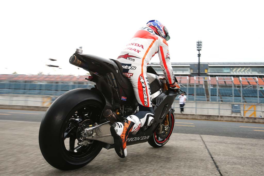Stoner Tests Honda RCV1000R MotoGP Production Racer - Motorcycle.com News