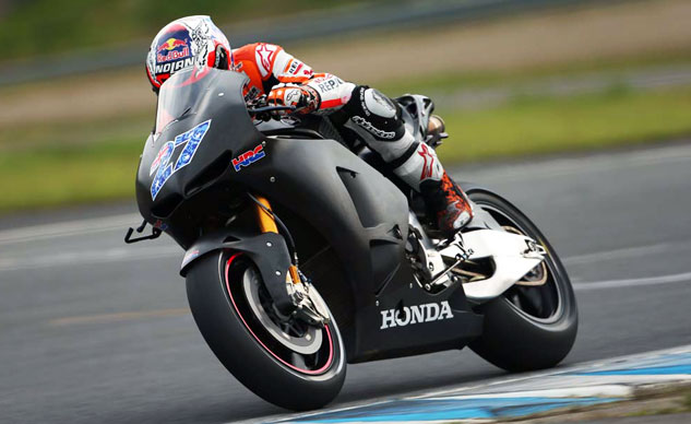 100313-casey-stoner-motogp-honda-rcv1000r-production-racer-test-f