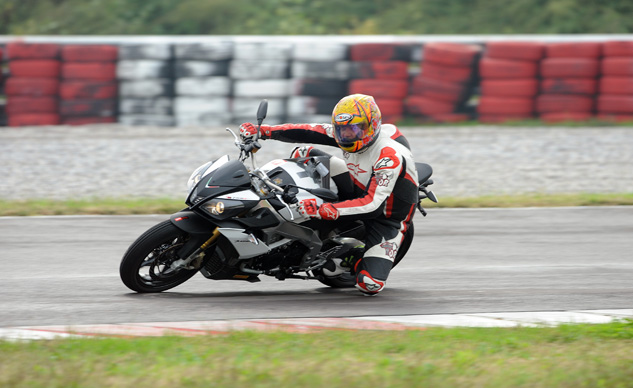 2014_Aprilia_Tuono_V4R_ABS_launch_Tor (1)