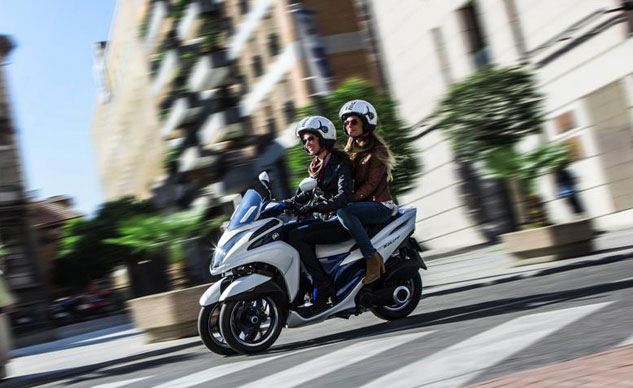 110413-yamaha-tricity-concept-action-f