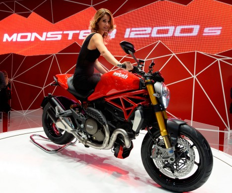 111113-2014-ducati-monster-1200s-eicma-2
