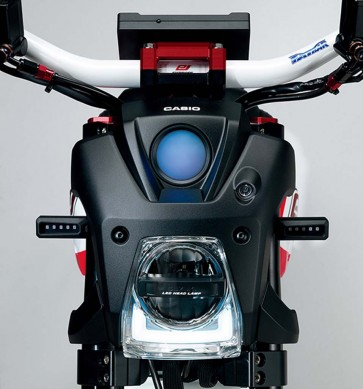112713-suzuki-extrigger-electric-monkey-bike-concept-04-headlight