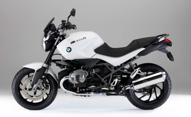 The current air/oil-cooled BMW R1200R for reference.