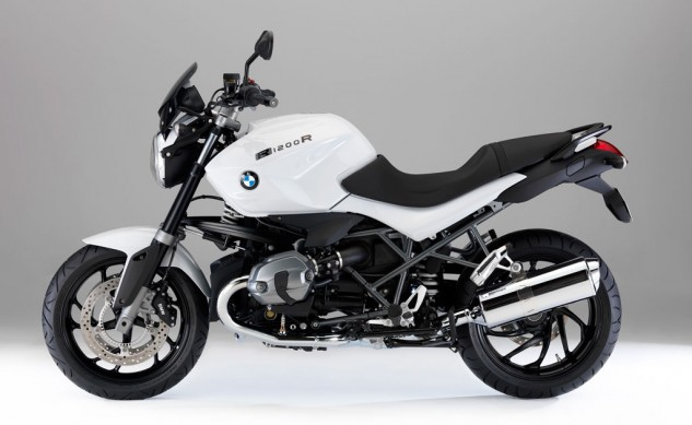 011014-2014-bmw-r1200r-dark-white