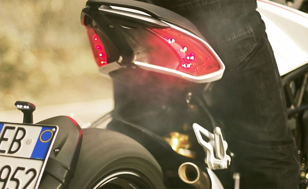 012214-2014-mv-agusta-dragster-800-tail-f