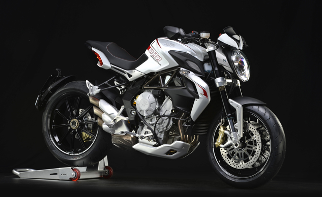 MV Agusta Brutale 800 Dragster white right front 3/4 profile