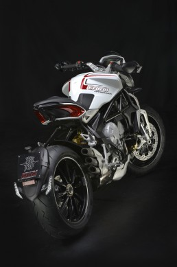 MV Agusta Brutale 800 Dragster white rear high