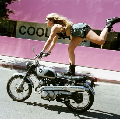 women-and-motorcycles-photo-exhibition-at-the-riverside-art-museum-medium_1