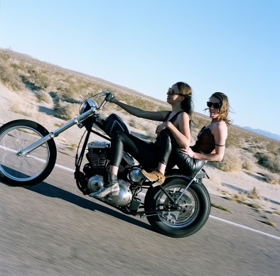 women-and-motorcycles-photo-exhibition-at-the-riverside-art-museum-medium_2