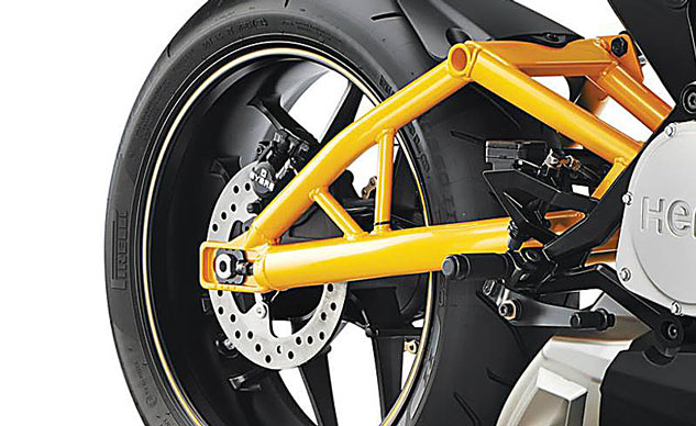 020514-2015-hero-hastur-swingarm