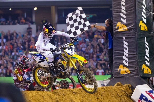 021814-james-stewart-suzuki-ama-supercross-arlington-1
