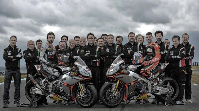 022014-2014-aprilia-rsv4-factory-wsbk-25_Aprilia_bike_launch