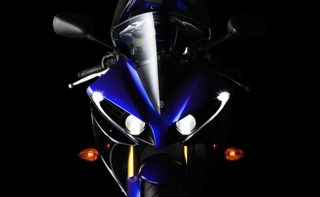 022414-2012-yamaha-yzf-r1-headlight-1