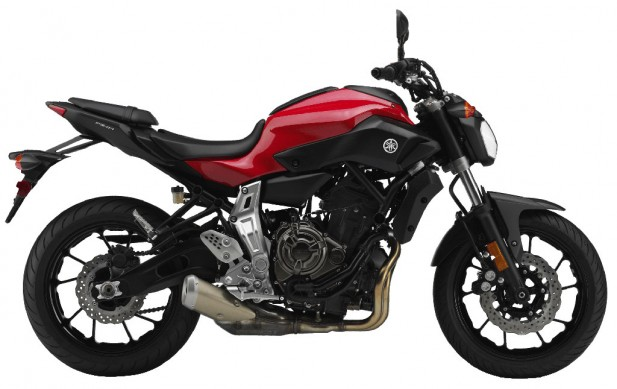 031814-2015-yamaha-fz-07-red-right