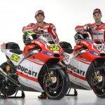 Crutchlow and Dovizioso posing_Ducati GP14 launch