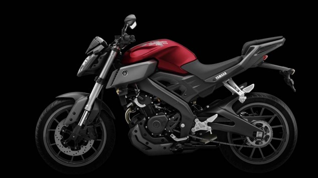 050714-2014-Yamaha-MT125-EU-Anodized-Red-Studio-011