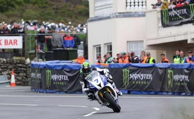 060214-johnson-triumph-iomtt-supersport-one-2