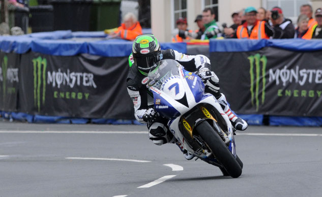 060214-johnson-triumph-iomtt-supersport-one-f