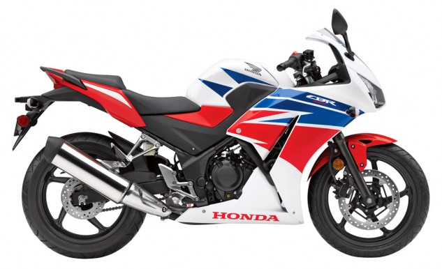 060314-2015-honda-cbr300r-red-white-blue