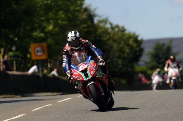 060314-dunlop-bmw-iomtt-superstock-tt-1