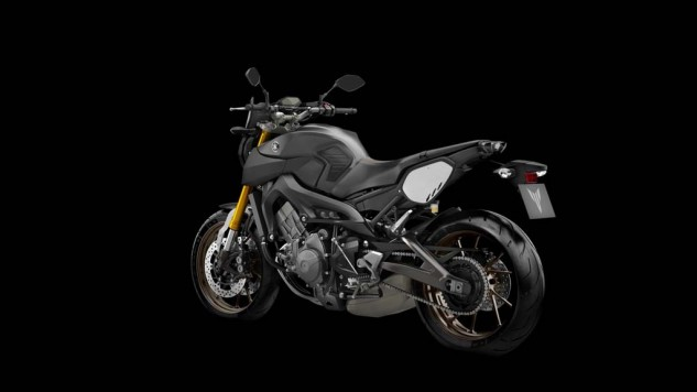 061114-2014-yamaha-mt09-street-tracker-eu-matt-grey-studio-012