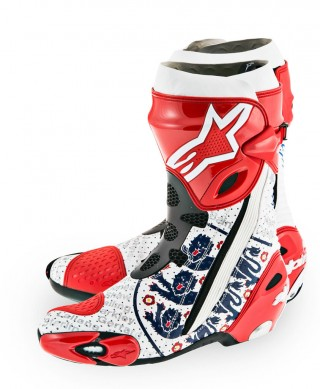 061314-crutchlow-alpinestars-world-cup-boots