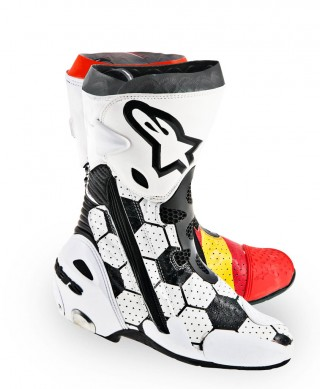 061314-pedrosa-alpinestars-world-cup-boots-right